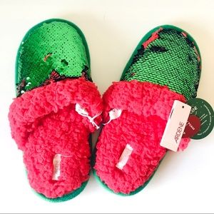 ⭐️3/25$ Christmas slippers green red sequins